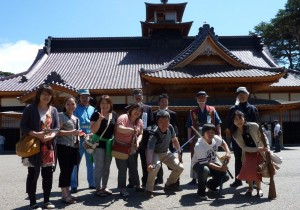 函館五稜郭に4年前見事に復元された函館奉行所前での1枚。日本の伝統工芸、匠の技がk凝縮された至宝です。